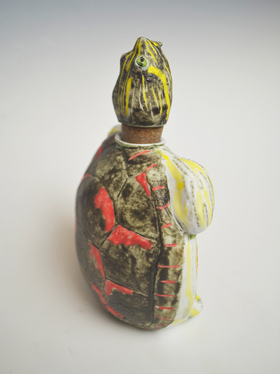 Matte Painted Turtle Flask - Materials : Porcelain